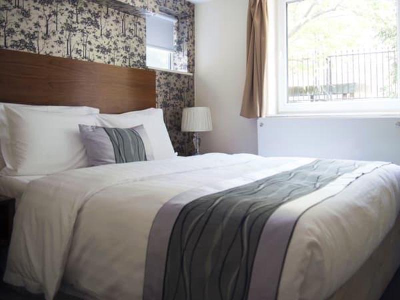 The New London Carlton Hotel & Service Apartments