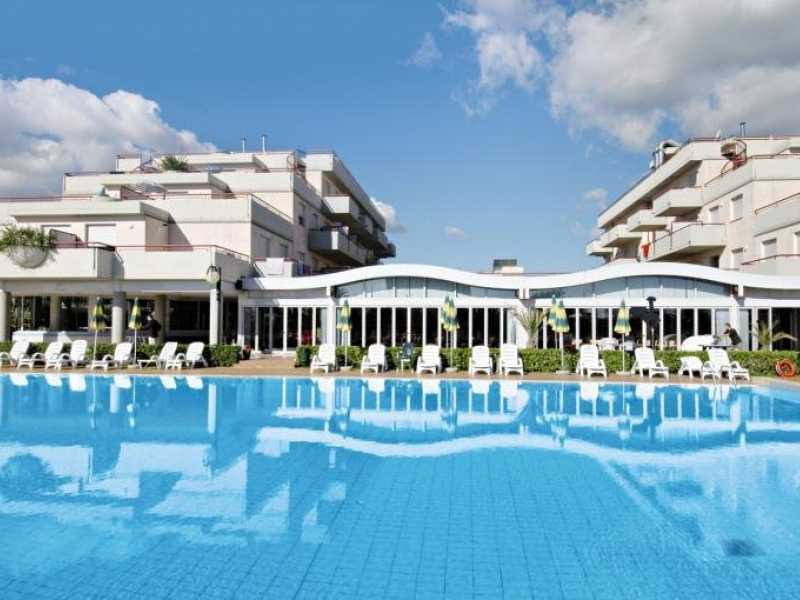Stunning Residence Club Hotel Le Terrazze Grottammare Contemporary ...
